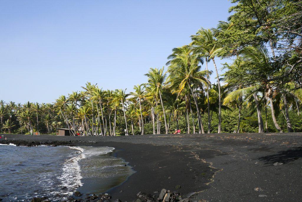 Black sand Beaches Hawai