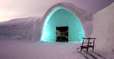 Igloo hotel enterance