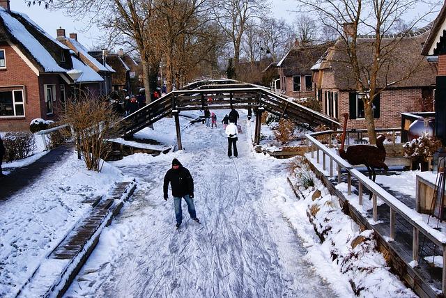 Giethoorn frozen