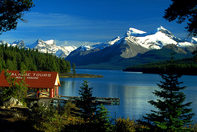 Maligne lake Canadian Rockies