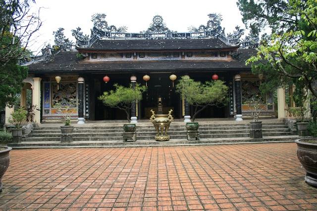 Perfume Pagoda 1