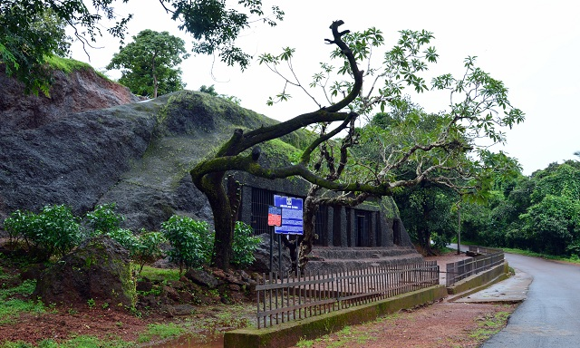 Arvalem Caves, Goa
