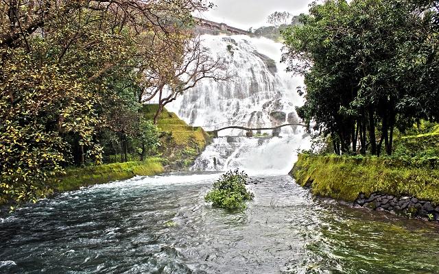 Hill Stations near Mumbai Umbrella waterfalls