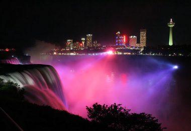Niagara waterfalls night