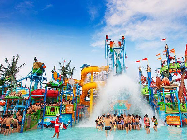 Waterslides at Chimelong Water Park