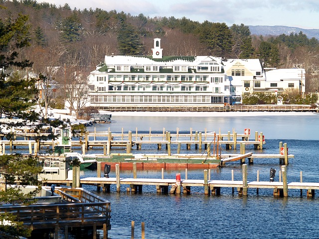lake winnipesaukee Lakeside Resorts