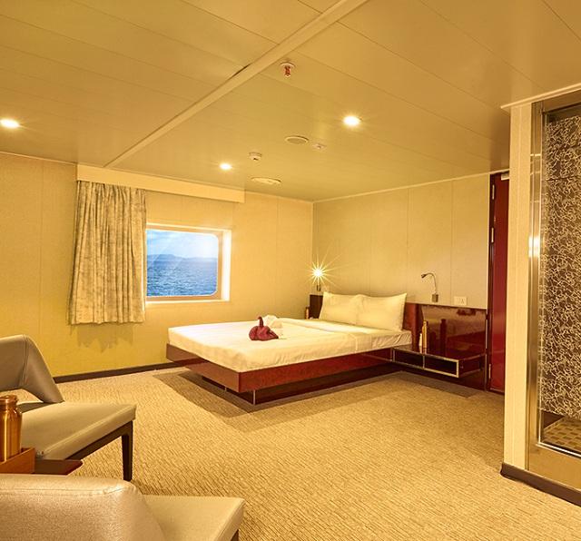 Cruise ship from Mumbai to Goa