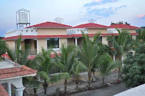 Gir Lion's Paw Resort