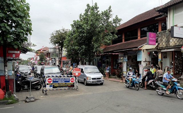 Jalan Raya Ubud
