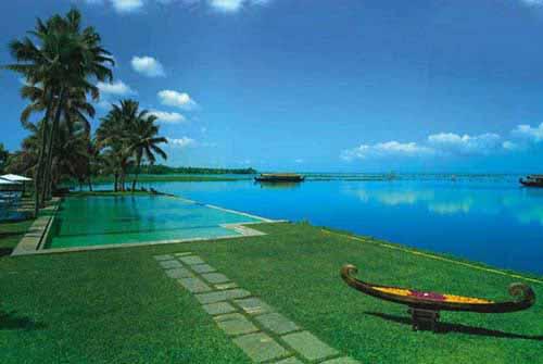 Kumarakom Lake Spa Resorts