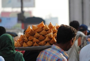11 Most Famous Hyderabad Street Food to Try