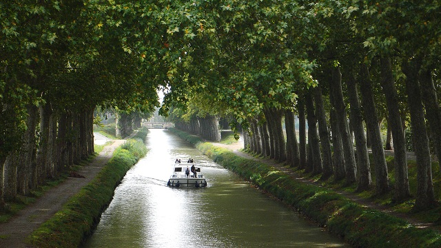 Barge Cruise in Canal du Midi