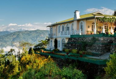 Glenburn Tea Estate Bungalows in Darjeeling