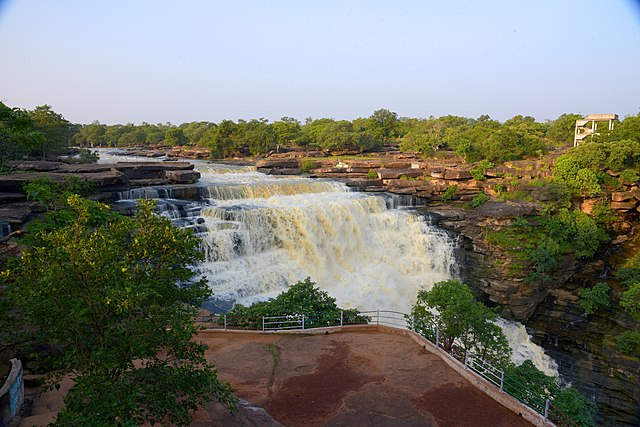 Raj Dari Waterfalls, Chandraprabha Wildlife