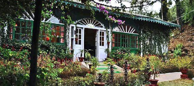 Singtom Tea Estate Bungalow in Darjeeling