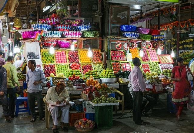 Street Shopping in Mumbai Crawford Market