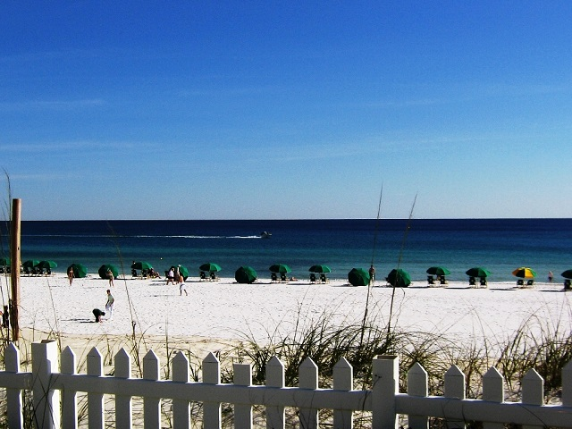 Best white sand beaches in the world Destin beach, Florida
