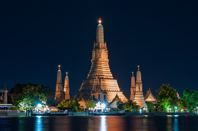 Tourist attractions in Thailand Wat Arun