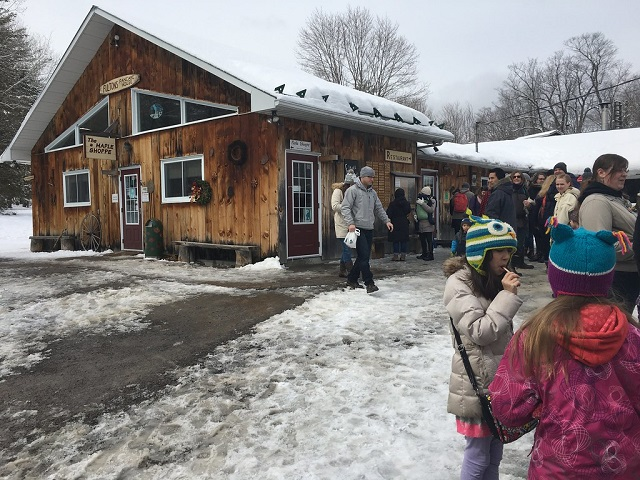 Fulton's Pancake House & Sugar Bush
