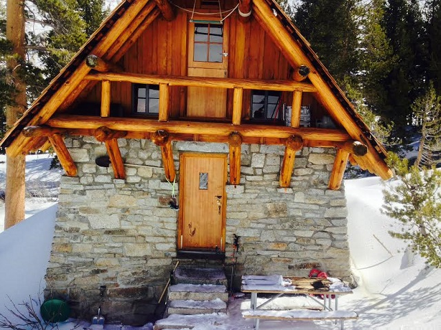 Pear Lake Winter Hut