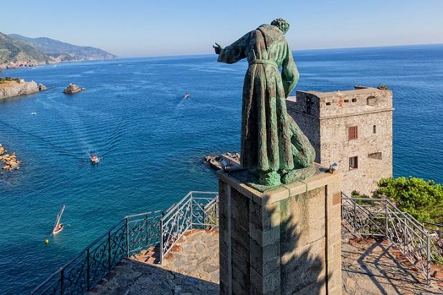 statue of Monterosso