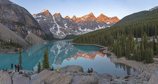 Most Beautiful Lakes in the World Moraine Lake, Canada
