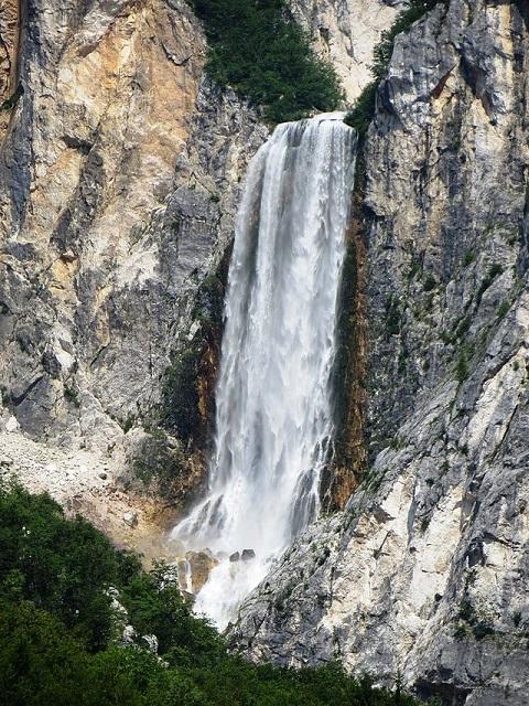 Boka Waterfalls
