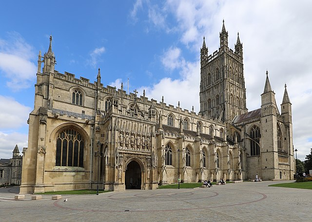 Best Relaxing Vacations in Gloucester Cathedral