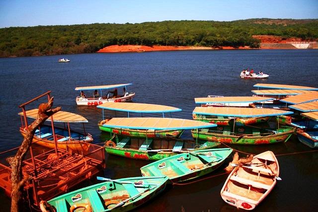 Veena Lake