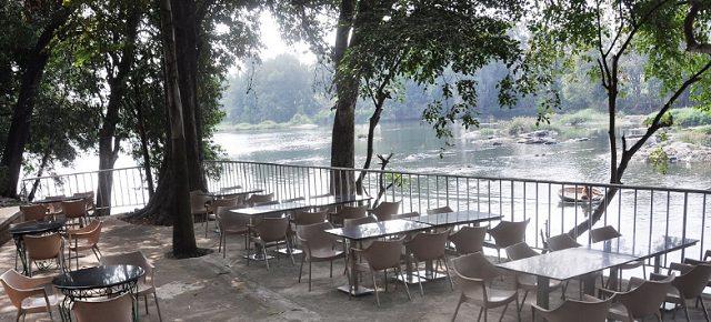 Hotel river view Mayura