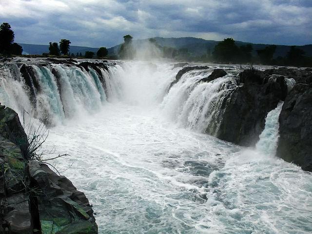 Hogenekkal Waterfalls, Dharmapuri