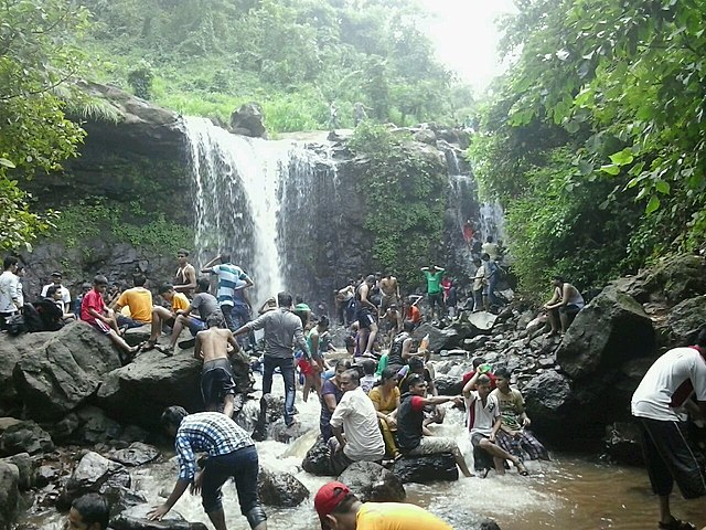 Palasdari waterfall